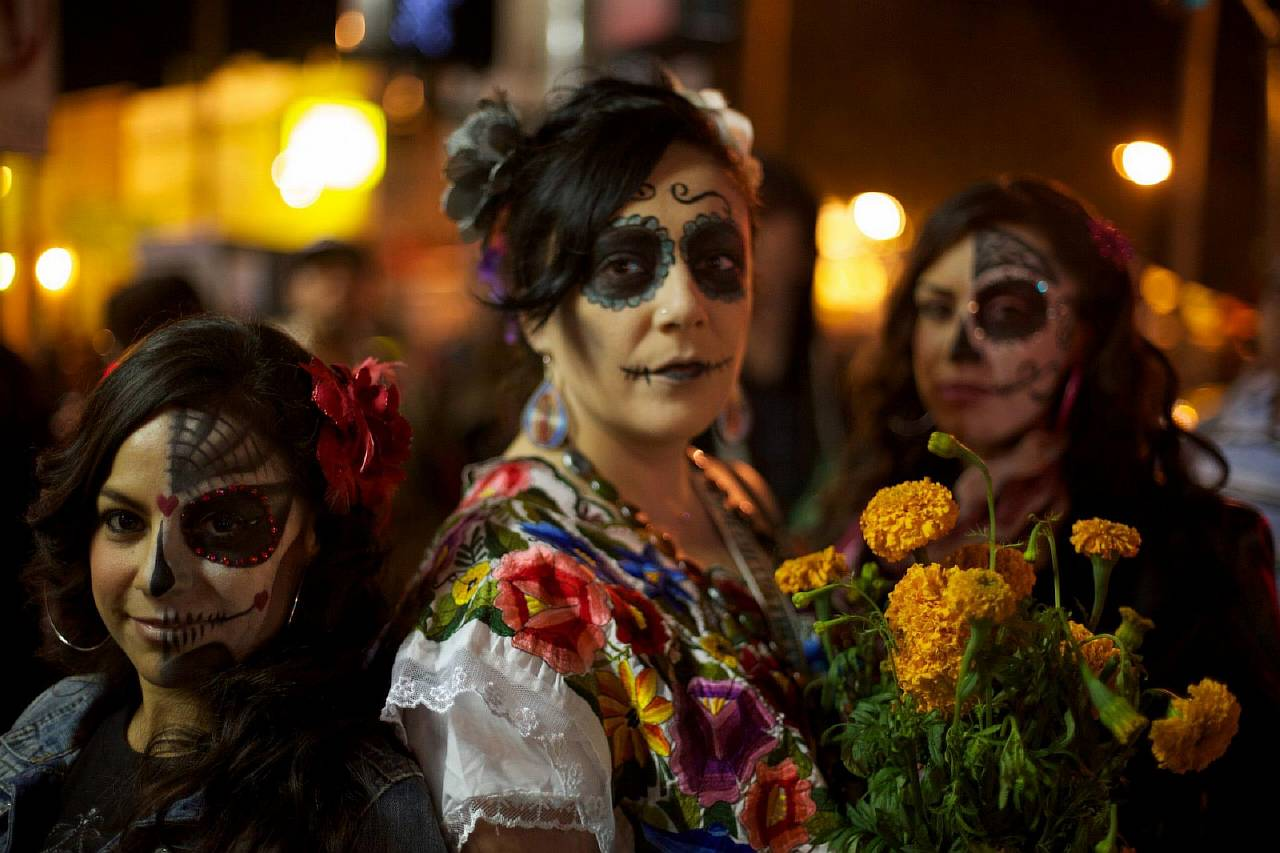 traditions and holidays celebrated by latinos essay 12 latino holiday festivities and traditions that are día de las velitas is celebrated in 12 latino holiday festivities and traditions that are.